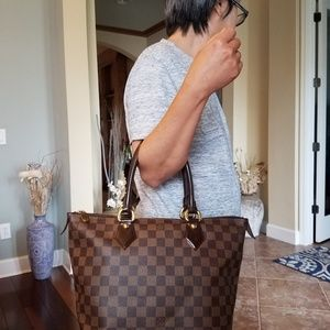 Authentic Louis Vuitton Saleya Damier Ebene PM Han